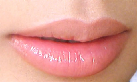 Giúp đôi môi thâm xì hồng hào tươi tắn ngày lạnh