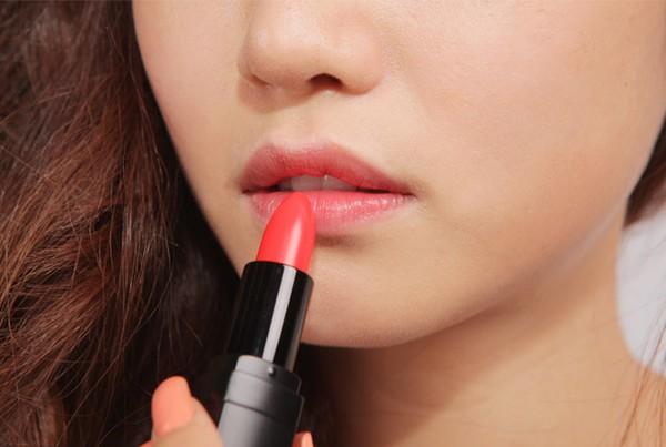 Làm gì để có màu môi đẹp tự nhiên và quyến rũ?2
