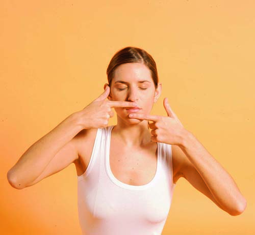 """""""Bật mí"""" 6 cách đơn giản giúp bạn loại bỏ hoàn toàn môi thâm5"""