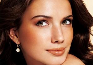 Da đen nên xăm môi màu gì là phù hợp nhất?