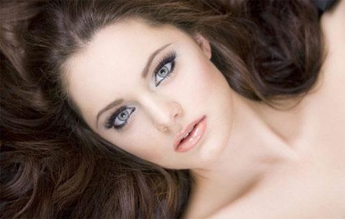 """""""Bật mí"""" 5 tips giúp bạn làm hồng đôi môi bợt màu1"""