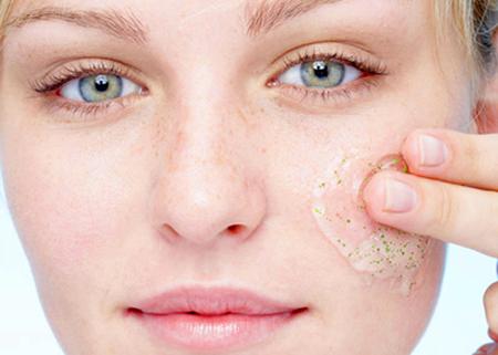 """""""Bật mí"""" 5 tips giúp bạn làm hồng đôi môi bợt màu2"""