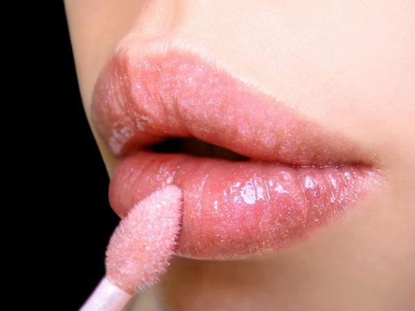"""""""Bật mí"""" 5 tips giúp bạn làm hồng đôi môi bợt màu5"""