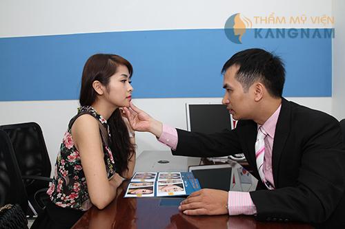 Phun môi màu hồng cam mềm mại, đẹp tự nhiên tại Bệnh viện thẩm mỹ Kangnam