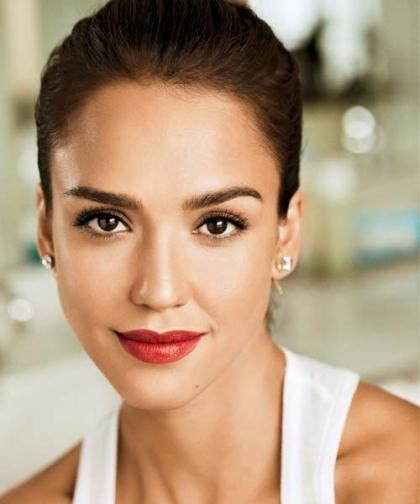 4 bước cực đơn giản để có đôi môi hồng đẹp như Jessica Alba4
