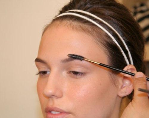 Học cách tạo dáng lông mày ngang quyến rũ6