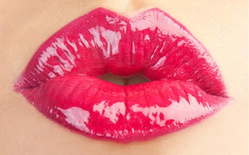 """Những lỗi trang điểm môi khiến đàn ông """"sợ chạy mất dép""""3"""