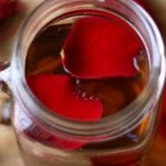 Chia sẻ 4 cách làm hồng môi tự nhiên bằng mật ong ngay tại nhà