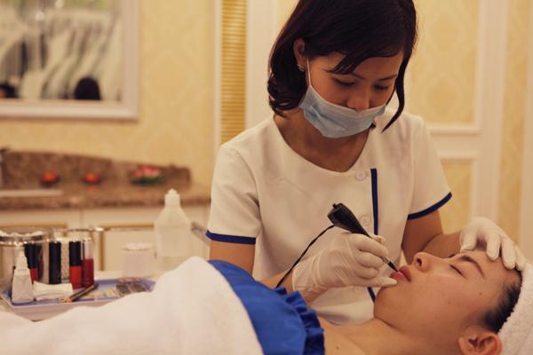 Xăm môi có hại không? 3