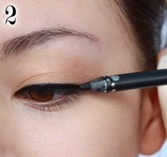 cách trang điểm mí mắt 2