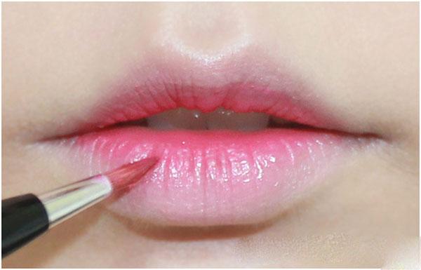kiểu môi xí muội 1