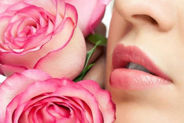 Phun xăm môi có đau không