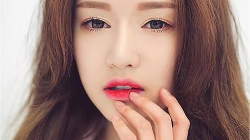 chăm sóc môi sau khi xăm