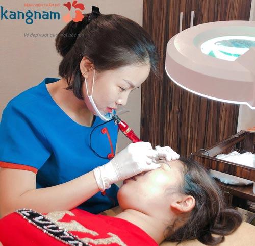 phun môi collagen kangnam