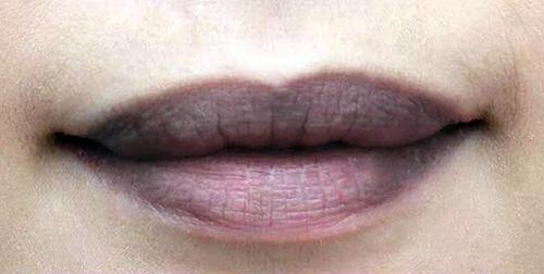bảng màu phun môi pha lê
