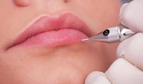 phun môi và xăm môi khác nhau thế nào
